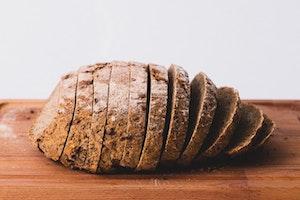 Ohne Brotmesser kann man nur schwer Brot schneiden