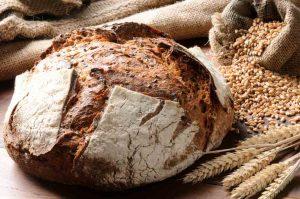 Brot auf Tisch